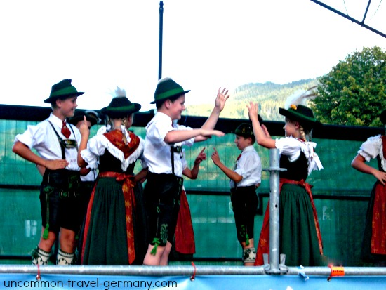 berchtesgaden children dancing