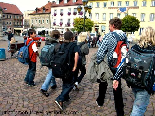 schoolchildren on the markt, hammelburg