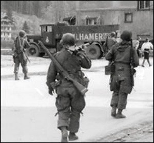 berchtesgaden-germany-american-soldiers-506th-1945