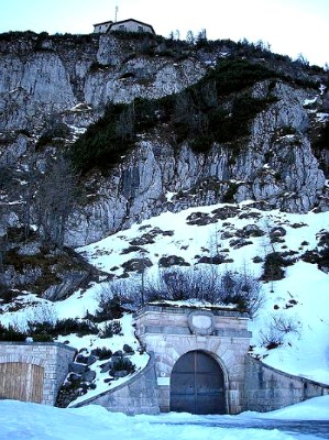 eagles nest germany, kehlsteinhaus, tunnel entrance winter