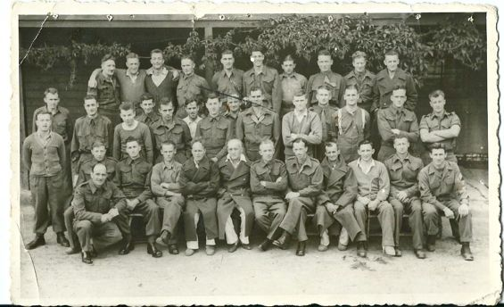 gorup photo of australian pows, stalag 13c