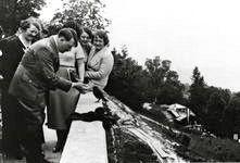 Hitler feeding a bird, Haus Wachenfeld