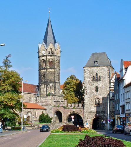 Nikolaikirche and Nikolaitor, eisenach Germany