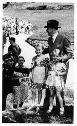 Hitler with two blond girls below Berghof