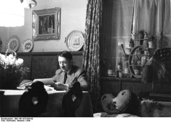 HItler reading in Haus Wachenfeld, Obersalzberg