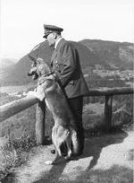Hitler with Blondi on the Obersalzberg