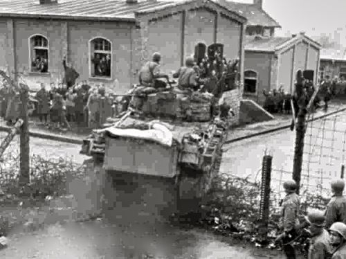 U.S. Army tank arrives at Oflag 13B, 1945
